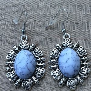 Jewelry - New White Crackle Earrings